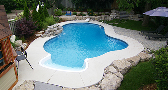 professional pool builders in Highland Village